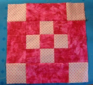 9 Patch Quiltblock machen.