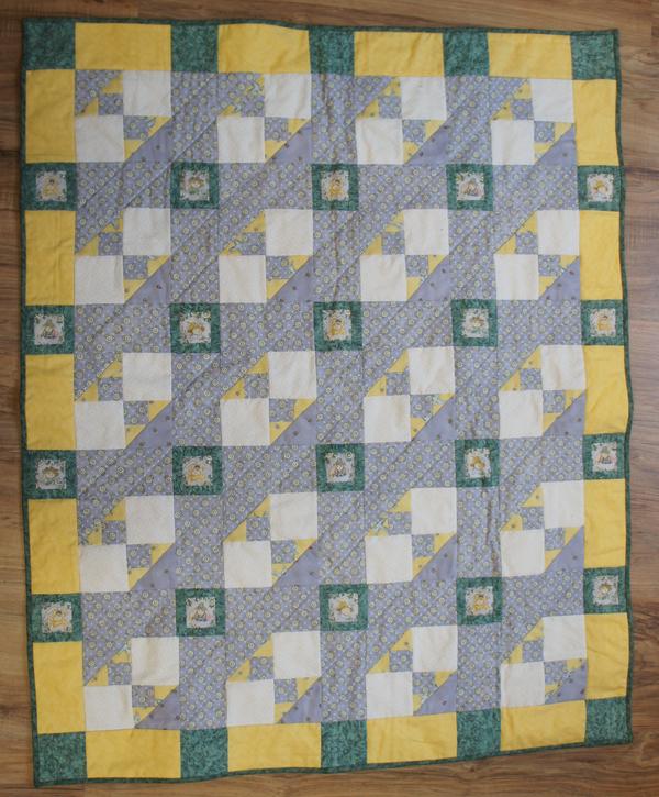 Baby-Quilt / Patchworkdecke mit Häschen