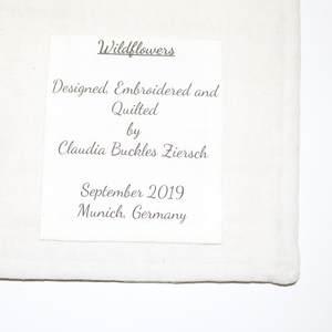 Textilbild - FadenBlumen - Etikett